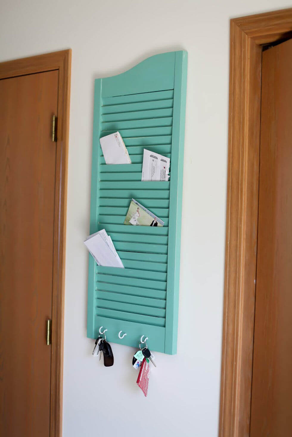 Window Shutter Newspaper Organiser Unit